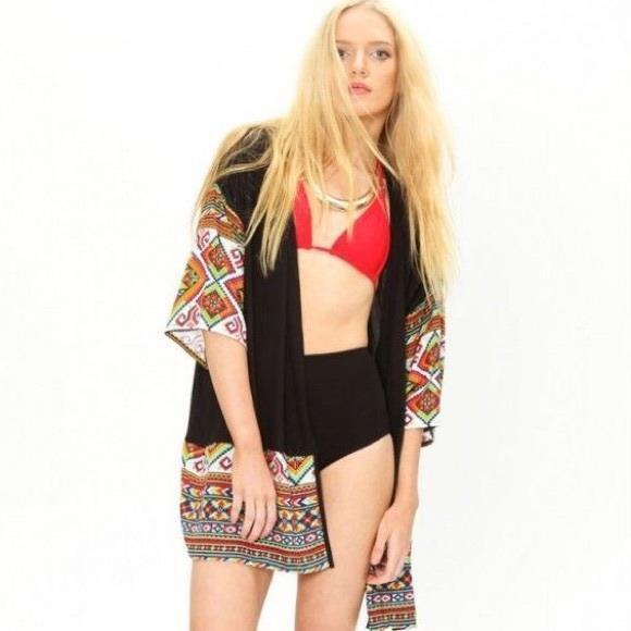 Arnhem Isshella Kimono in schwarz - Festival Cover-up Größe S