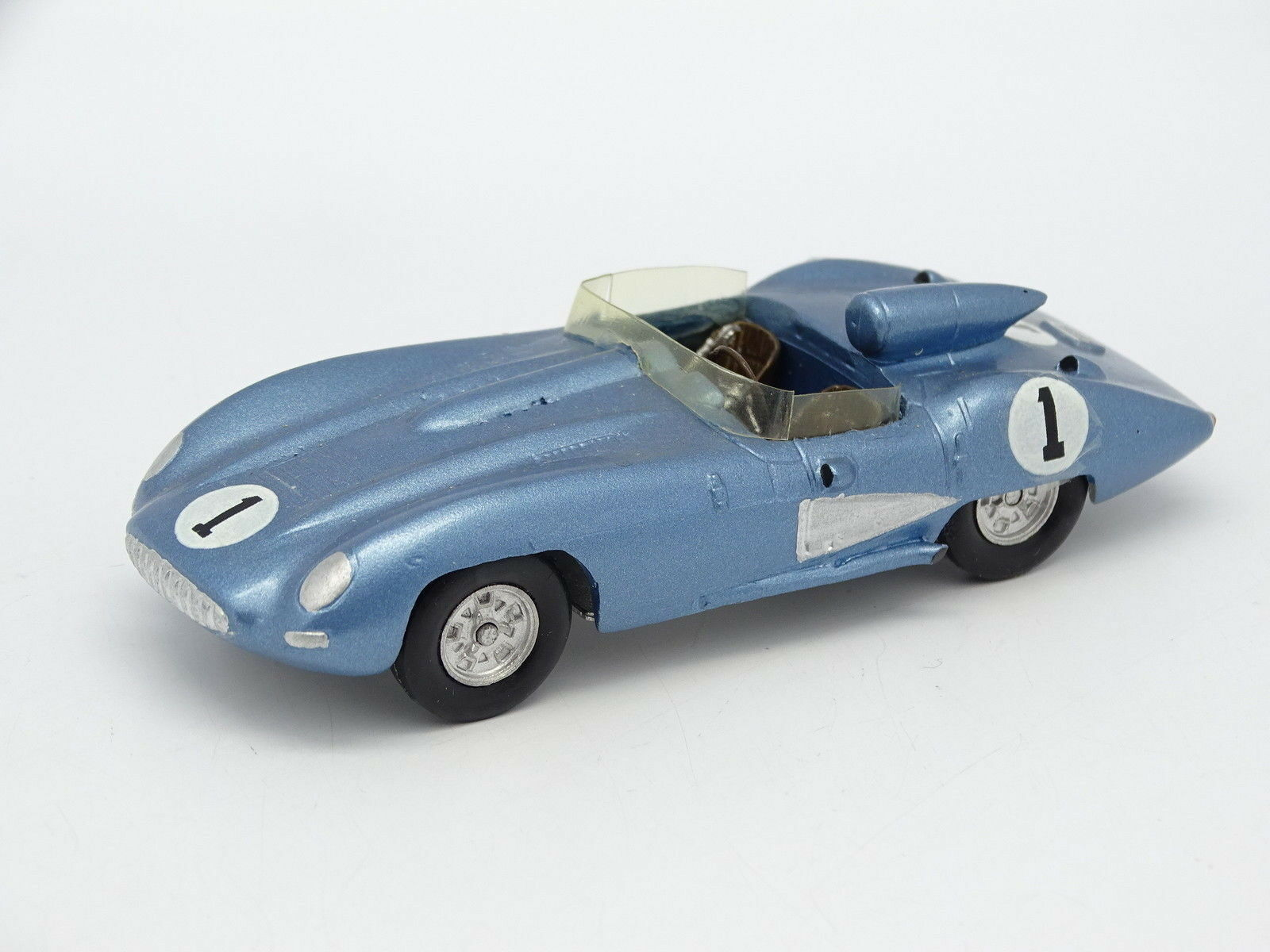 Classic Cars Kit Monté Métal 1 43 - Chevrolet Corvette SS Sebring 1957