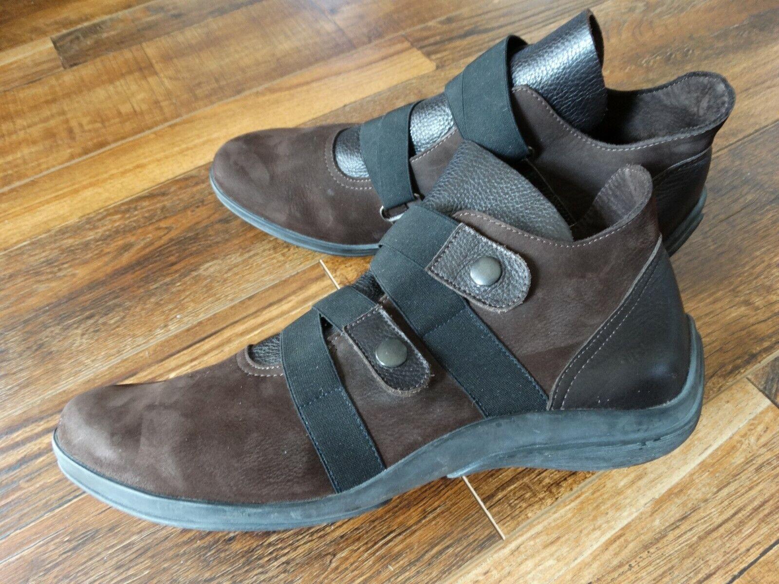 ARCHE LN France slip on Ankle shoes 9.5