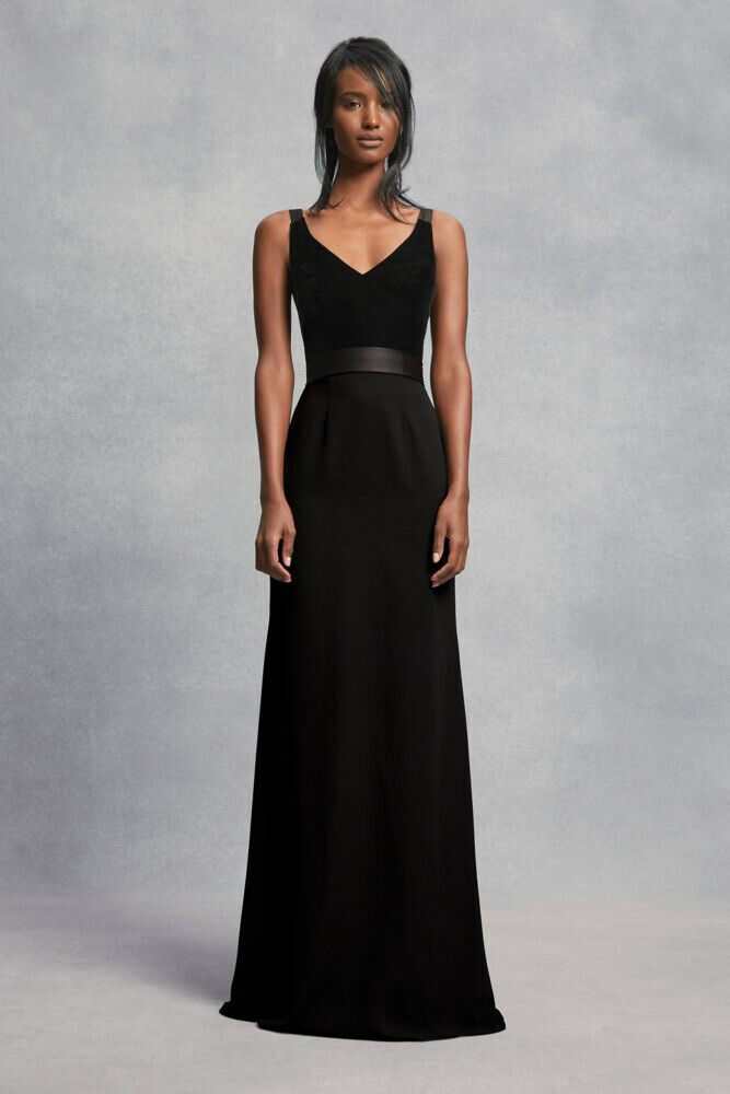 Vera Wang White V Neck Crepe Gown with Open Back in Black Size 6
