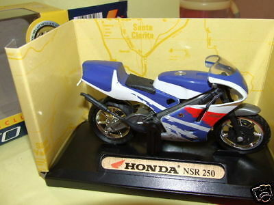 MOTO HONDA NSR 250 1//18  ème Neuf  MOTOR MAX