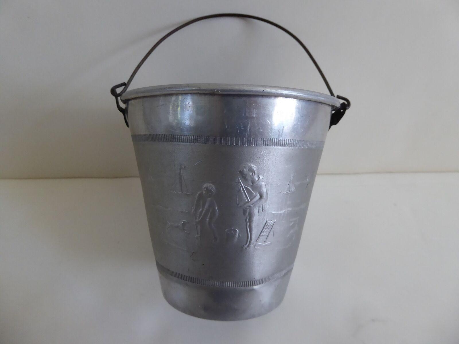 Cubo de arena en relieve de Aluminio Vintage-Marcado Francia