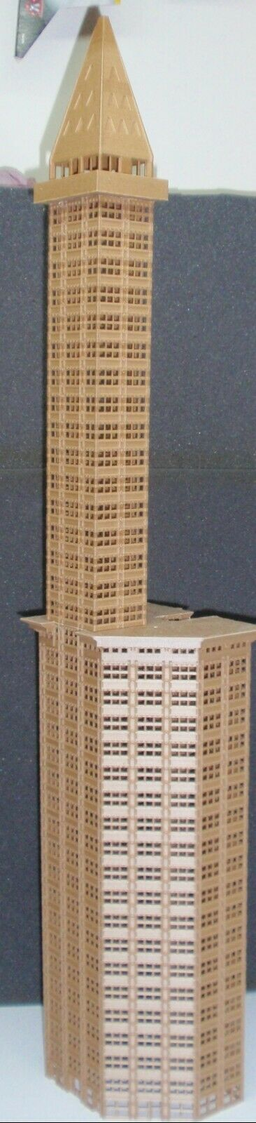 MASSIVE N SCALE SKYSCRAPER BASED OFF THE SMITH TOWER
