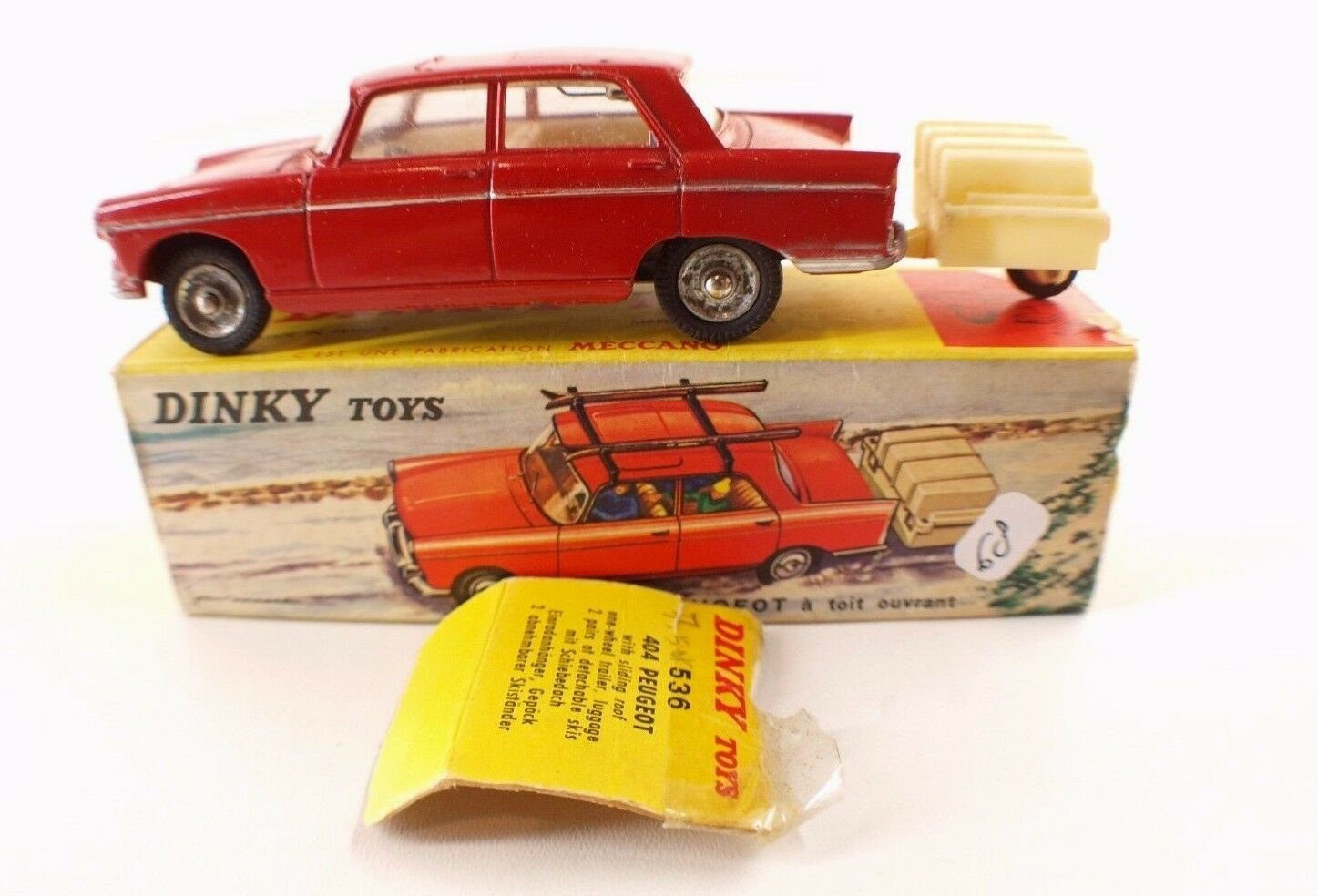 Dinky toys F nº 536 peugeot 404-roof trailer skis in box