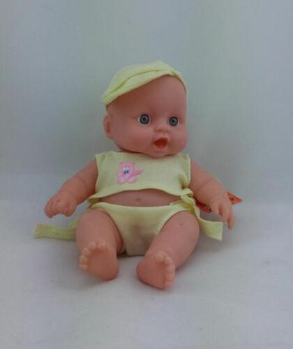 Pretty Babypuppe Puppe ca 20 cm groß in niedlicher Kleidung in 4 Farben