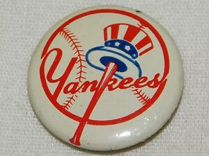 "VINTAGE 7/8"" ACROSS NEW YORK YANKEES BASEBALL  PINBACK  BUTTON"