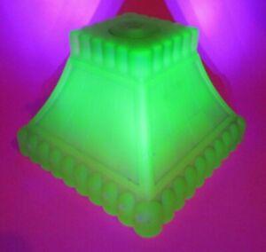 Antique-Art-Deco-Green-Vaseline-Uranium-Skyscraper-Glass-Lamp-shade-Globe-1930s