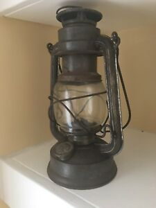 ANTIQUE-OLD-PRIMITIVE-OIL-GAS-KEROSENE-GERMAN-FEUER-HAND-LAMP-N-275-LANTERN