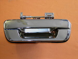 HOLDEN-RA-RODEO-NEW-CHROME-TAIL-GATE-HANDLE-NO-LOCK-TYPE-SUIT-2003-ONWARDS