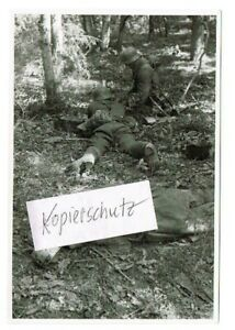 WW-2-Russland-Feldzug-am-22-08-42-Kampf-im-Wald-Kolodesi-K-17-17-Panzer-Div