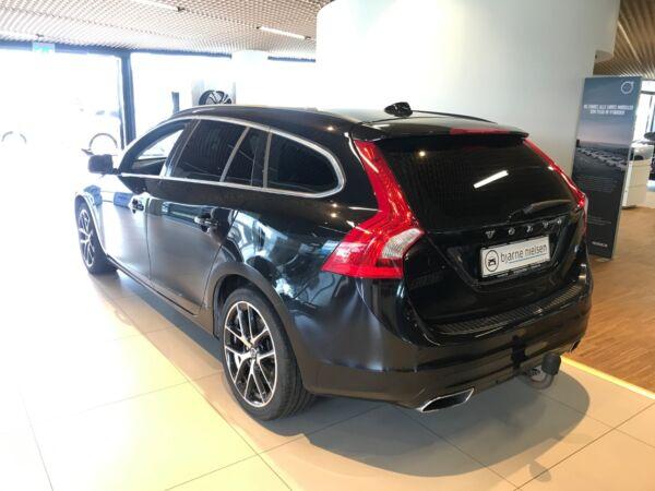 Volvo V60 2,0 D4 181 Momentum aut. - billede 2