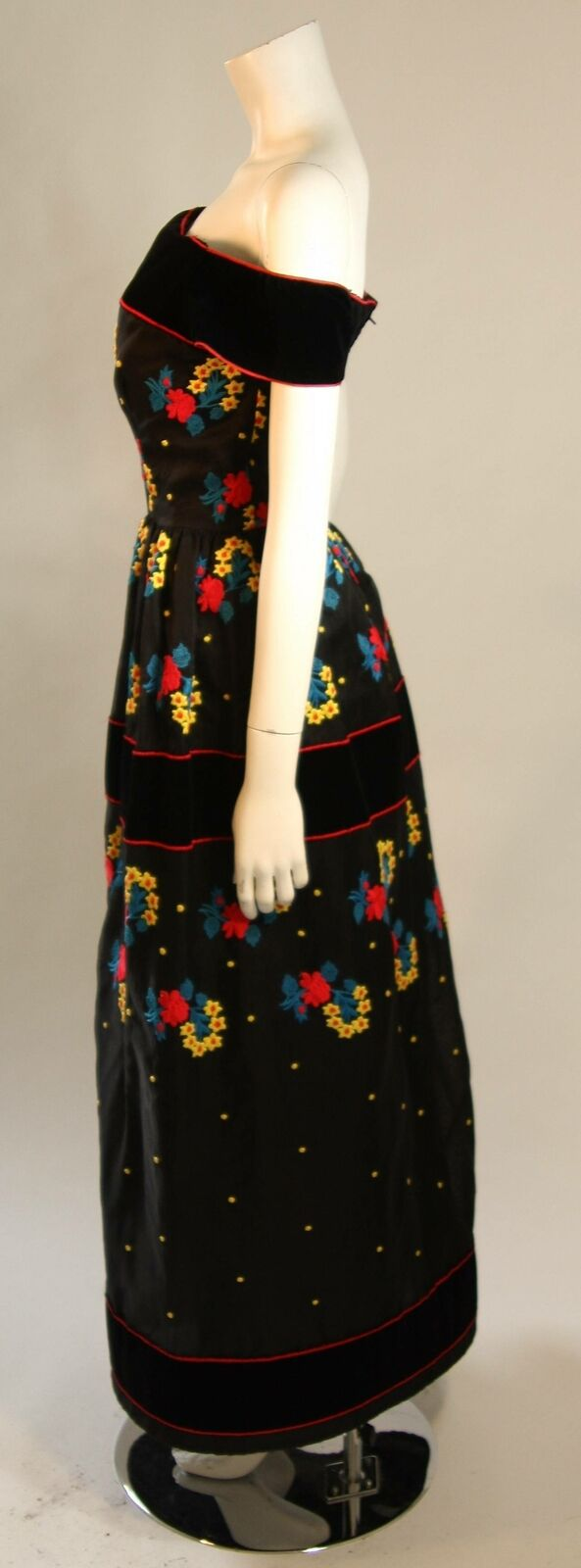 ARNOLD SCAASI Black Velvet Embroidered Gown with … - image 7