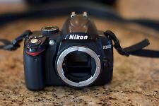 Nikon D D3000 10.2 MP Digital SLR Camera - BODY ONLY + Bag, Books, Battery, +++