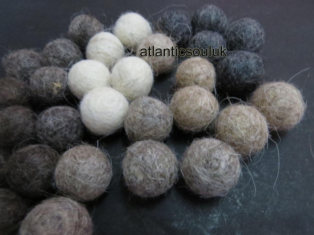 FB12 Guirlande En Gros X Lot 2cm/20mm DECOR DECOR DECOR Laine Feutre Balle Pompon Perles Népal | Bien Connu Pour Sa Fine Qualité  1f5a83