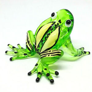 COLLECTIBLE MINIATURE HAND BLOWN Art GLASS Magic Purple Frog Animal FIGURINE