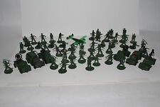 Vintage 1960's  Plastic Toy Army Playset Pieces