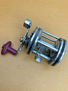 FT3-Vintage-Holiday-Heavy-Duty-Trolling-Reel-No-1182-Vintage-fishing-collectible
