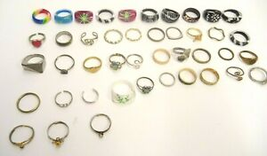 MIXED-LOT-OF-43-COSTUME-JEWELRY-FINGER-TOE-RINGS-GOLD-SILVER-TONE-METALS