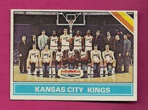 1975-76-TOPPS-211-KANSAS-CITY-KINGS-TEAM-PHOTO-NRMT-CARD-INV-A4007