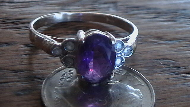 14K YELLOW gold, AMETHYST RING SIZE 6.5