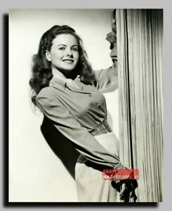 HV-2232 AMERICAN ACTRESS JEANNE CRAIN SEXY PIN UP 8X10