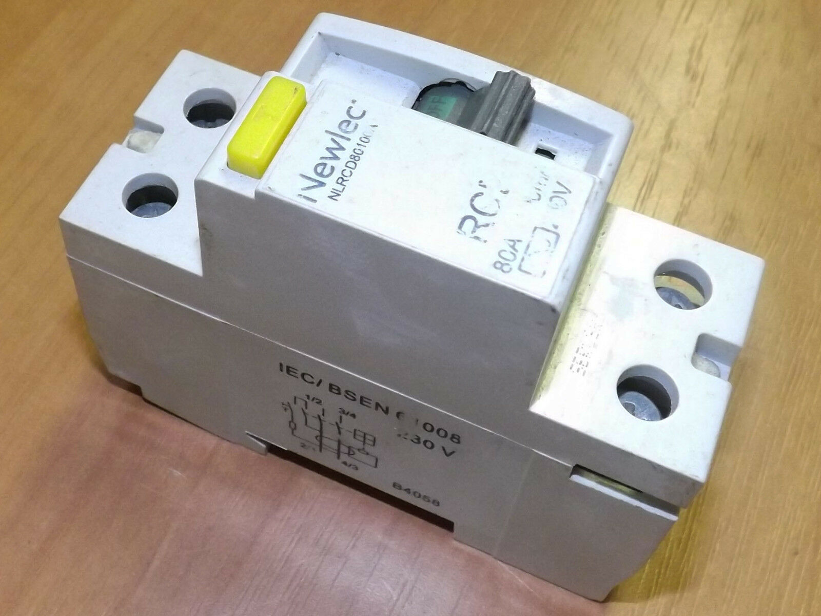 Newlec Rcd Wiring Diagram Experience Of Electric Nlrcd80100a 2 Pole 80a Residual Current Circuit Rh Ebay Co Uk Device Attached To Power