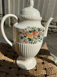 Wedgwood-Conway-Coffee-Pot-Floral-Design