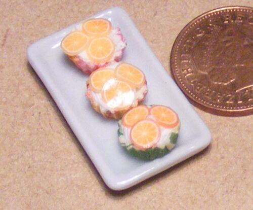 1:12 SCALA 3 Loose Arancione Cup Cakes su un piatto in ceramica tumdee Dolls House PL20