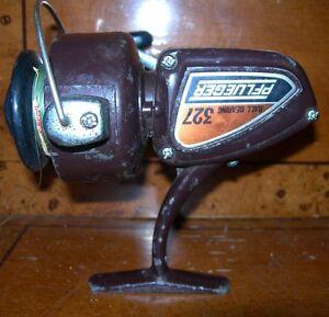 Vintage-PFLUEGER-Ball-Bearing-327-Freshwater-Spinning-Reel-USED-WORKING