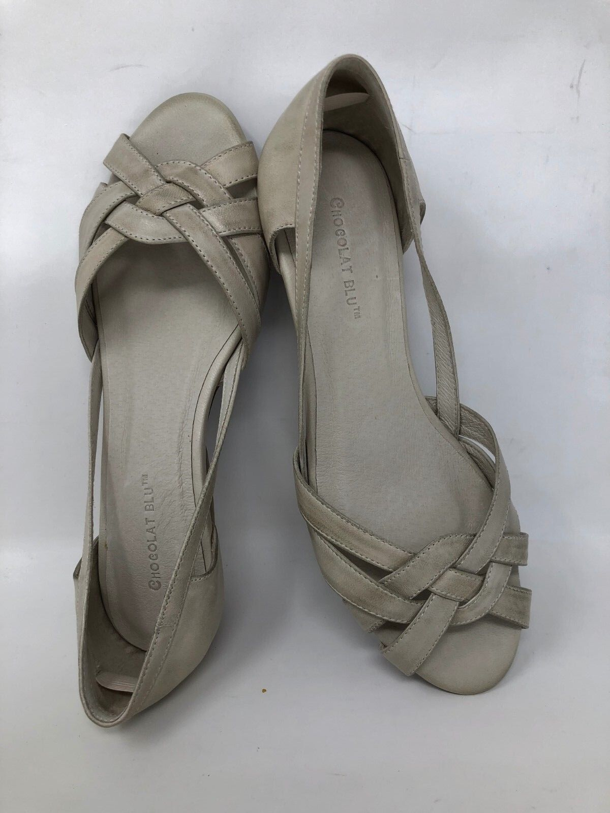 New In Box    Womens Chocolat blue Gilly Dress Sandals off White  8L