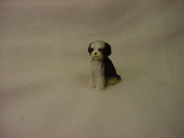 SHIH TZU black white puppy TiNY DOG Figurine MINIATURE Mini B/&W Statue sport cut