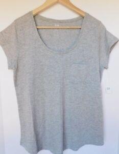 NWT-Gap-Women-039-s-Easy-T-Shirt-Scoop-Neck-Gray-Top-Round-Hem-Pocket-XS-amp-M-New