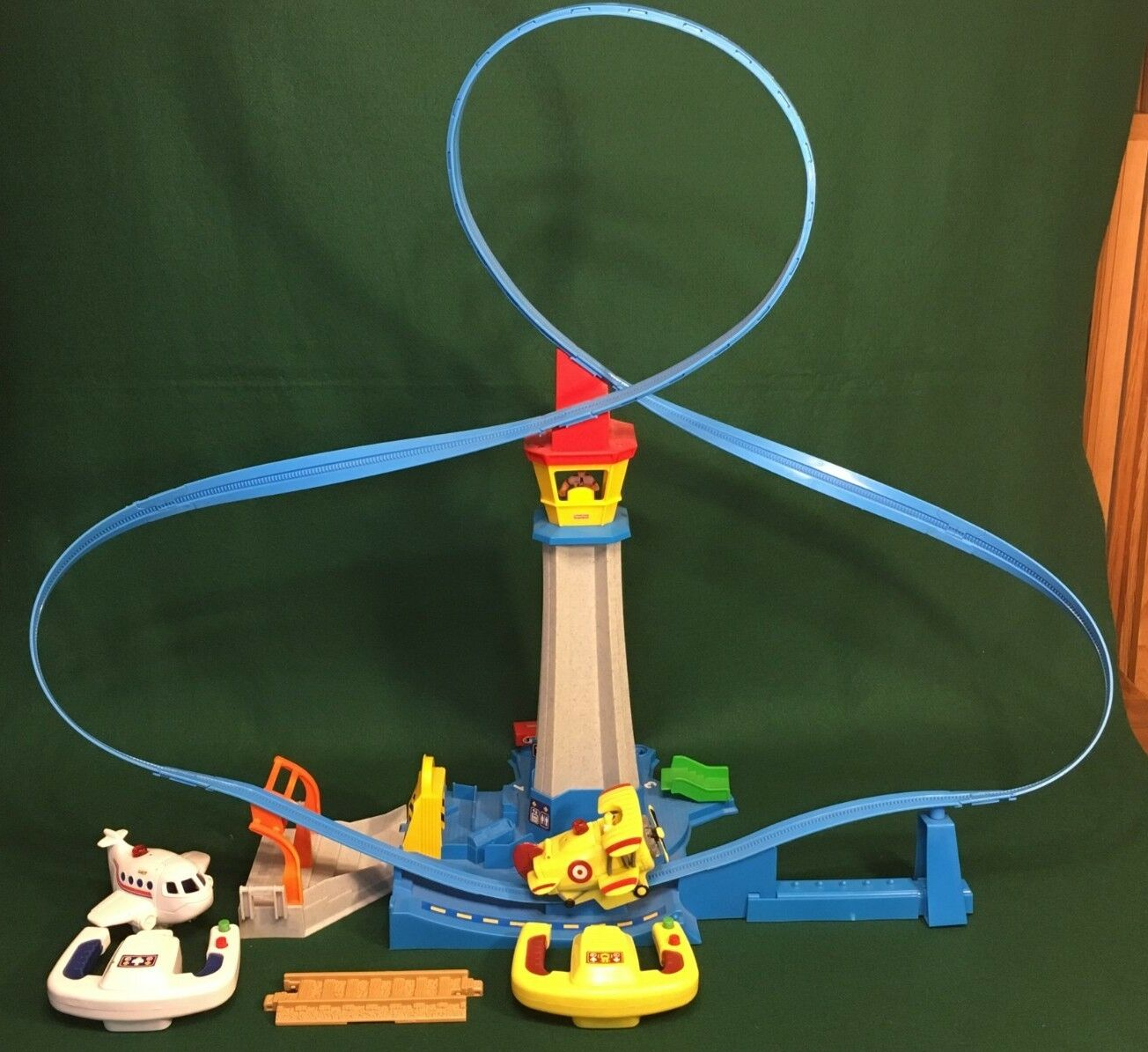 Fisher Price Geo Trax High Flying Airport + Loopy Loco Loco Loco - Complete  e30663