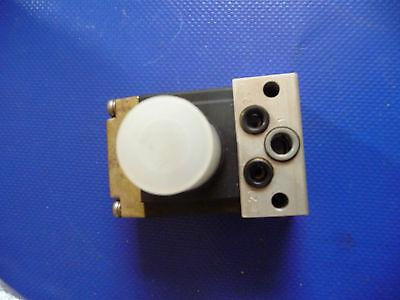 Grau  041011509 → Grau Magnetventil  Hebe- + Senkventil  (Neuwertig)
