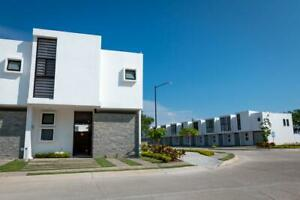 Casa en condominio con alberca, Corales Residencial - CORAL