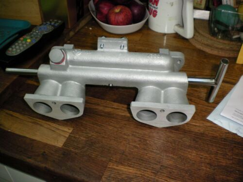TRIUMPH SPITFIRE1500//MK3//4-INLET MANIFOLD-YOUR MANIFOLD RESTORED-NEW PIPE!!