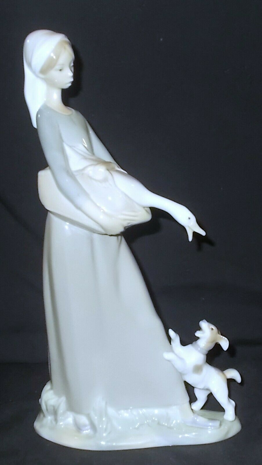Image 1 - Lladro GIRL WITH GOOSE AND DOG #4866 Figure - Made in Spain