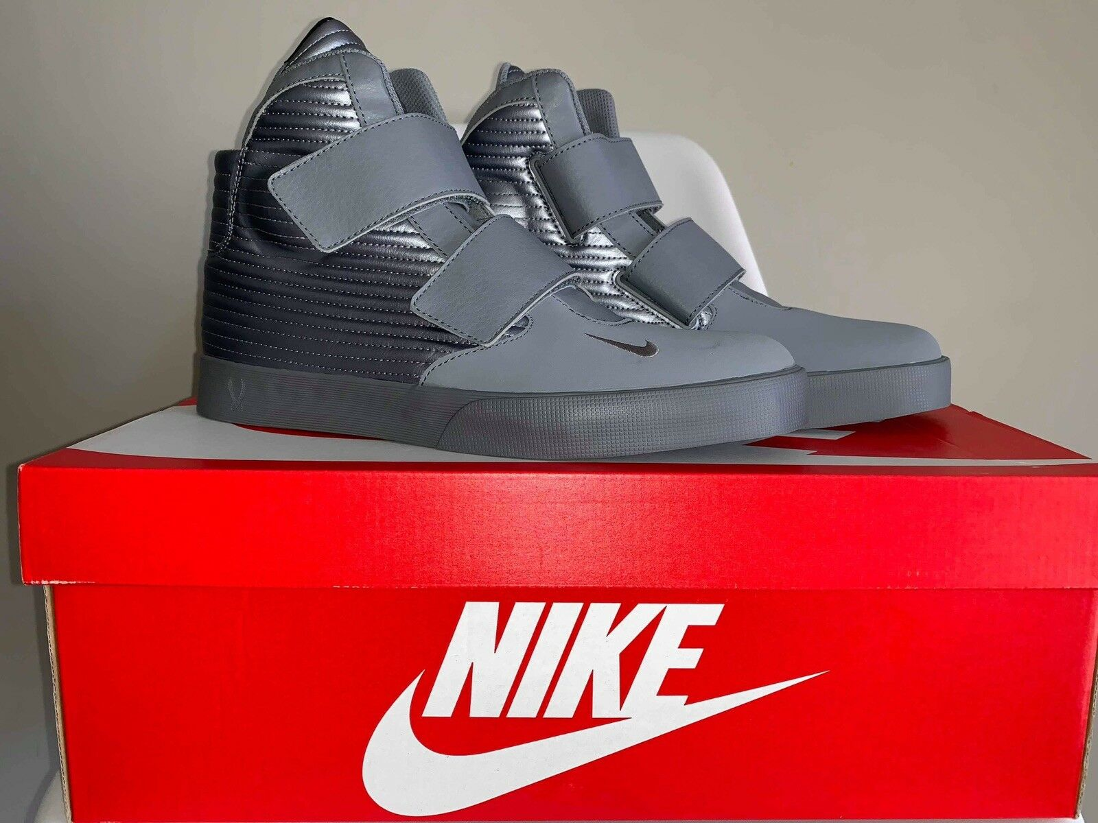 NEW With Box NIKE Flystepper 2K3 Mens Hi Top Trainers