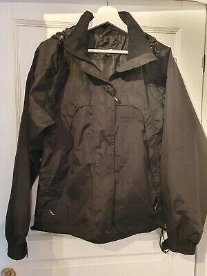 Mørkeblå jakke med pelskant og hætte