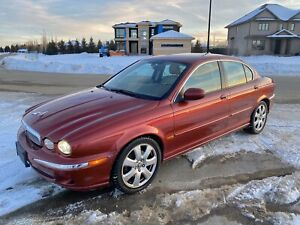 Jaguar X-Type AWD low km and well maintained with records ford