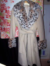 women's sz 7 sz S pretty winter coat w/ faux snow leopard trim & Guess Army top