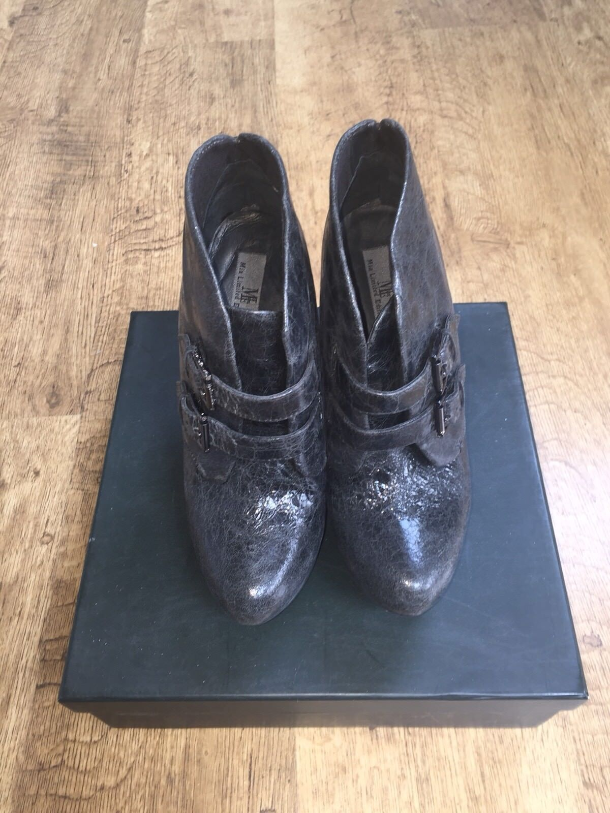 BNIB MIA LIMITED EDITION BLACK 100% PATENT LEATHER BOOTS, UK SIZE 6