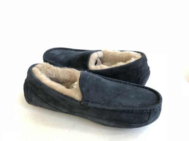 bc5ef731932 UGG ASCOT NEW NAVY SUEDE SHEARLING LINED MOCCASIN SHOE US 8   EU 40.5   UK