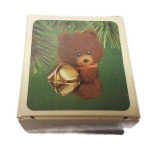 Hallmark-Keepsake-Christmas-Ornament-Jingling-Teddy-1982-Bear-Bell-Box