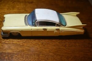 Vintage Japanese Tin 1960 Bandai Cadillac, missing one wheel --A