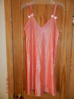Petra Fashions Womans Lingerie Sz M Sleep Gown Peach