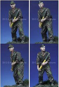 Alpine-Miniatures-1-35-35134-SS-Panzer-Crew-Kursk-2