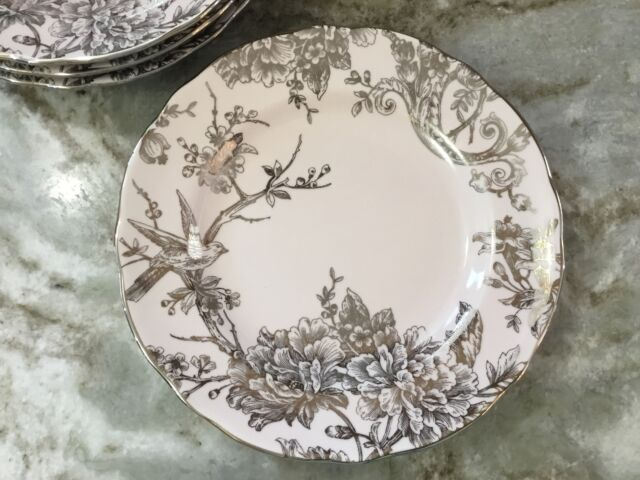 222 Fifth Adelaide Pink And Silver Salad Plates. Fine China. Set Of 4. New.
