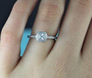 4b6aeb477 $7,500 Tiffany & Co 0.48ct VS1 Cushion Diamond Legacy Platinum ...