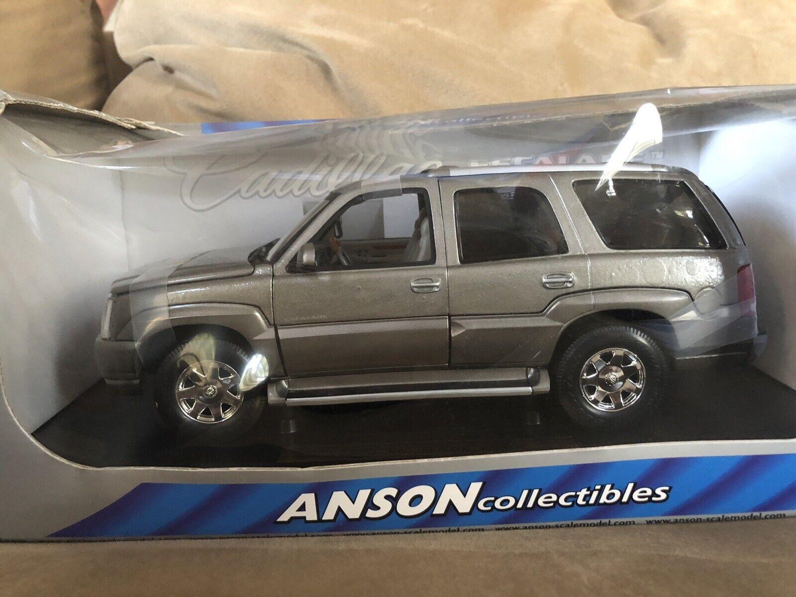 Anson Collectibles 2002 Cadillac Escalade 1 18
